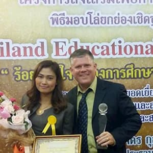 best-tefl-award-300300-op